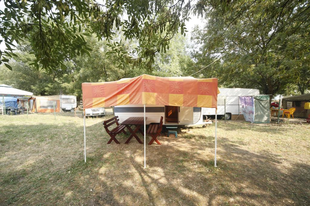 campingfunzone.com.jpg